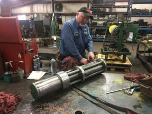 Rebuilding of Modern Hydraulic's Die Separator Master & Slave cylinders assembly.